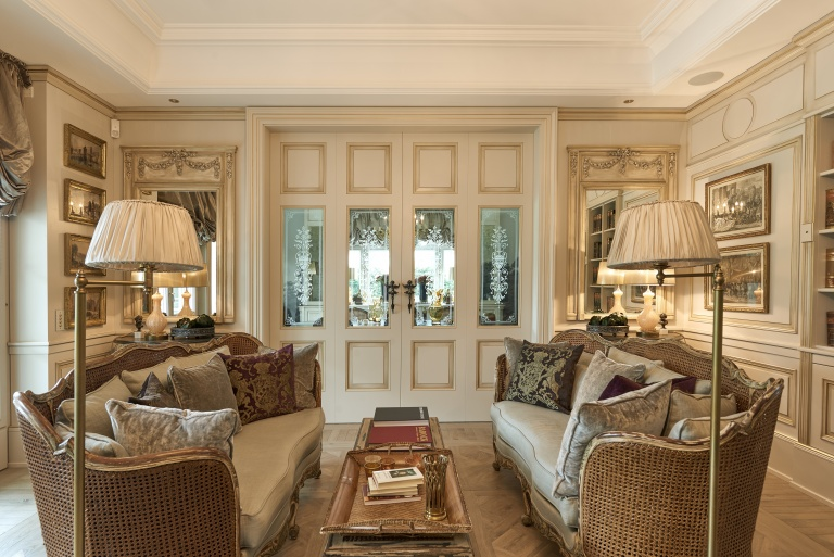 Classic luxury bifold